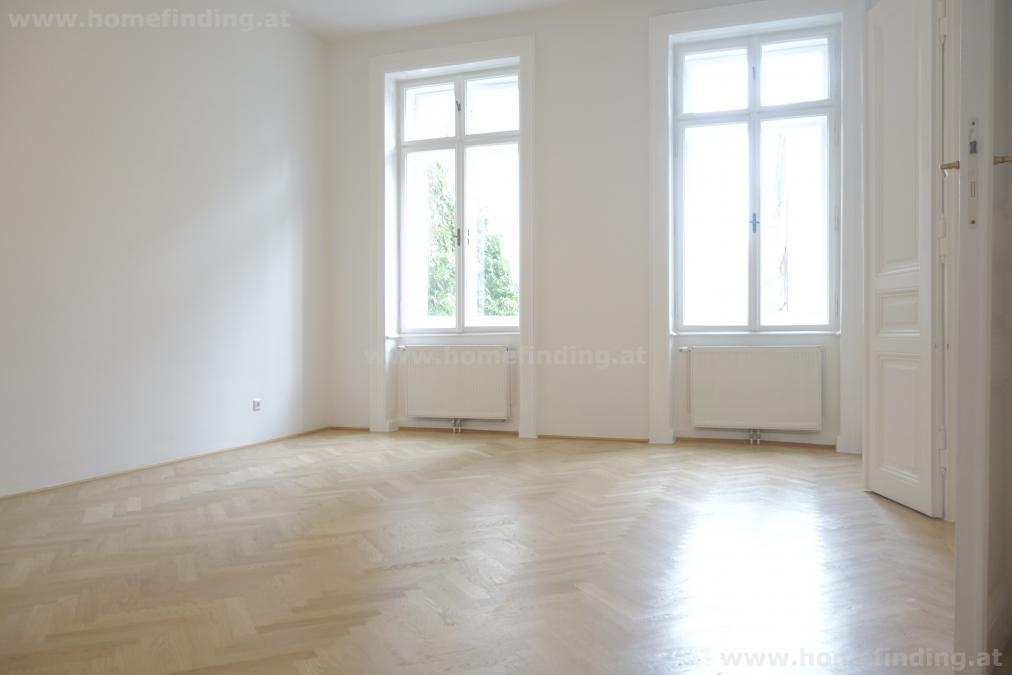 schöne Balkon-Altbauwohnung: 4 Zimmer,  unbefristet