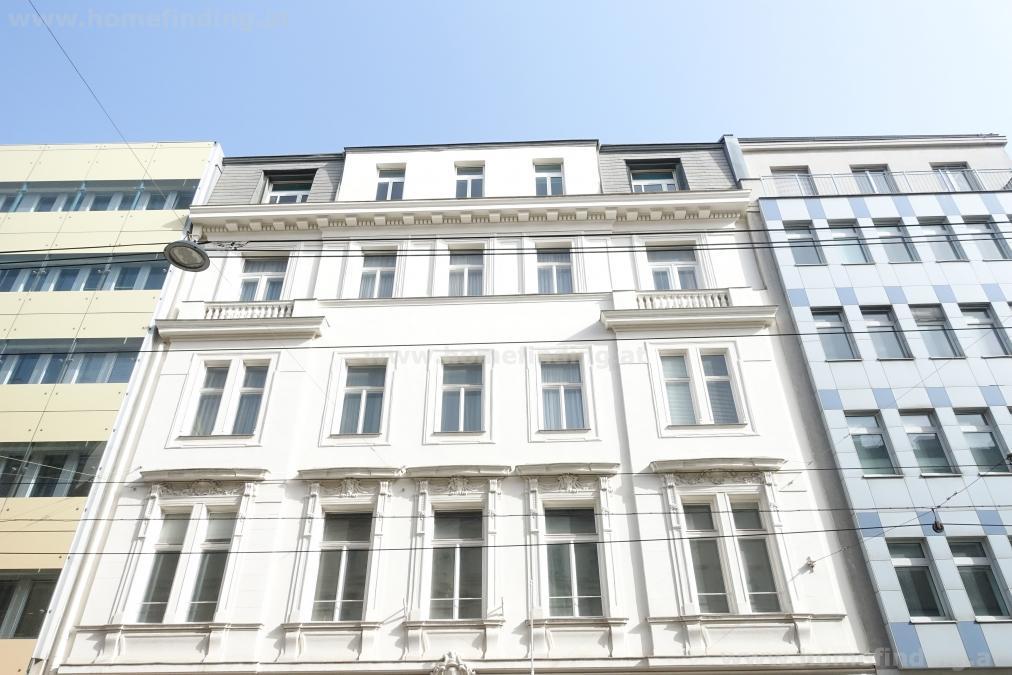 Altbauwohnung mit großer Terrasse  - unbefristet