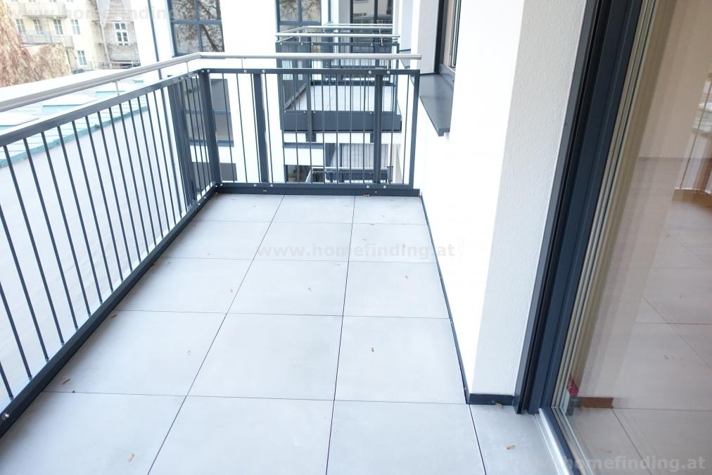 first time use: brand new apartment with balcony