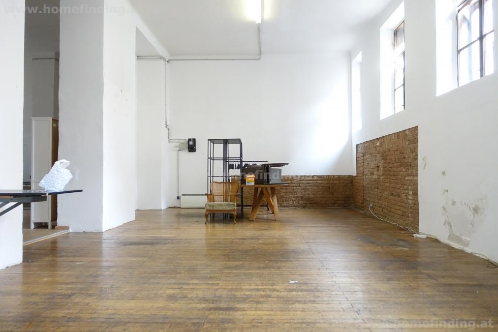 2 large artist rooms  - access from the street I close to Margaratenplatz