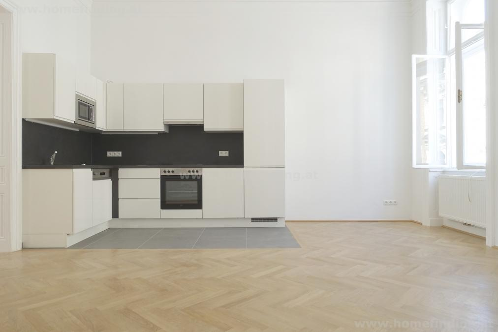 spacious oldstyle apartment  in central location