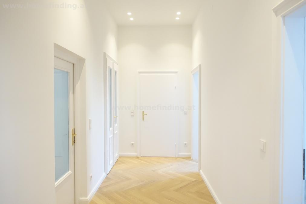 first time use t close to Schwedenplatz: 3 rooms