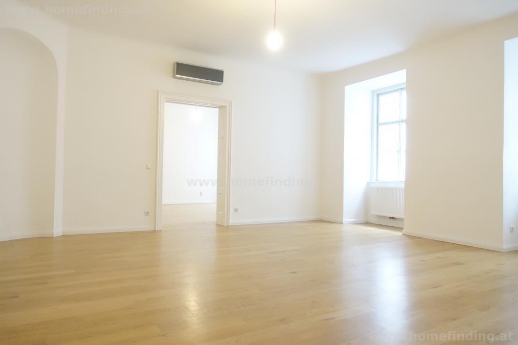4-Zimmer im Barockpalais - Singerstraße - unbefristet