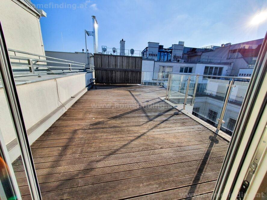 roof apartment with terrace in central location