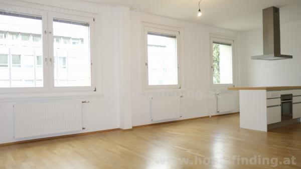 very nice 3 room apartment with balcony close to Modenapark