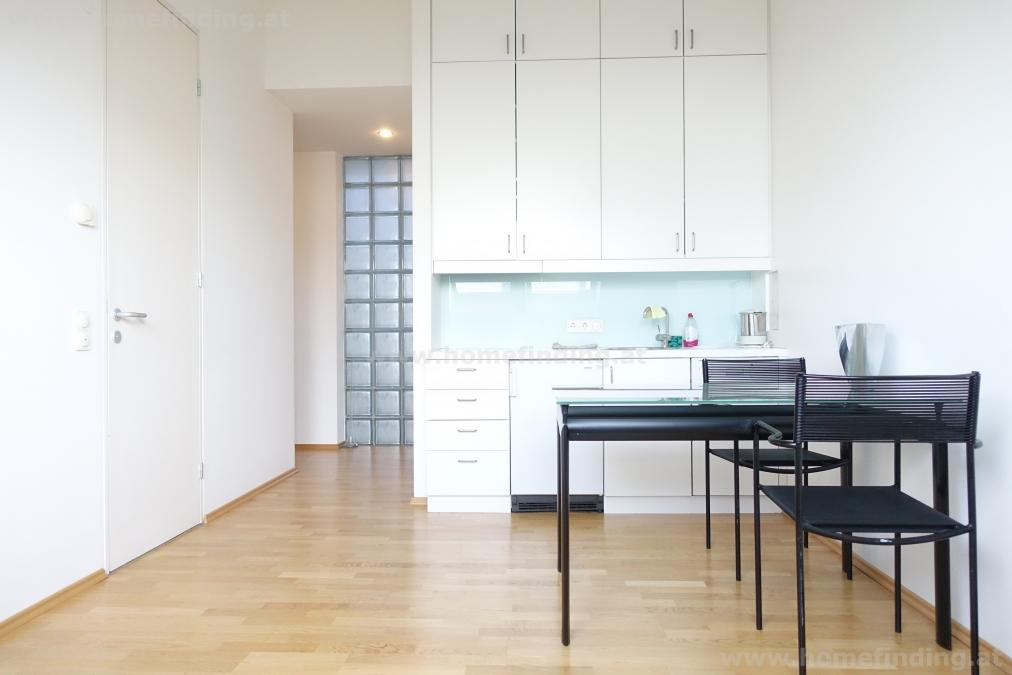 expat flat/ studio close to Oper, Karlsplatz - befristet