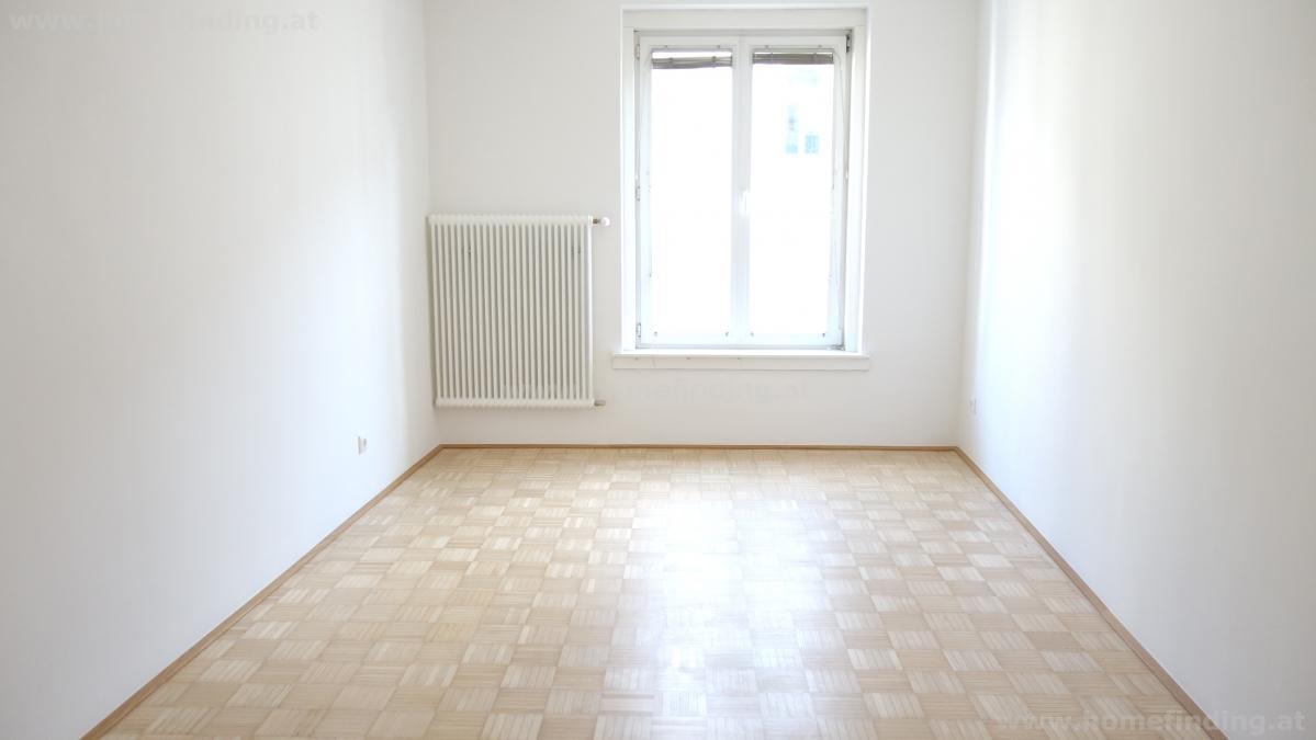 Erstbezug: sanierte, helle 3-Zimmerwohnung/ Drasche Park