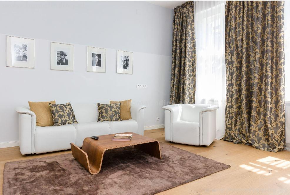 at Alser Straße: furnished studio