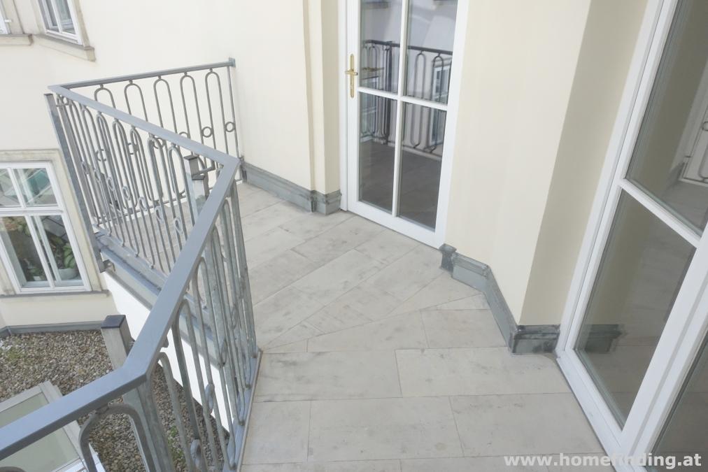 im Herzen Wiens: sanierte Altbauwohnung mit Balkon