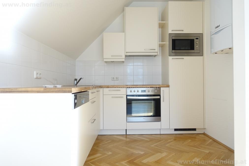 Penthouse mit 2 Schlafzimmern + Balkon/ unbefristet